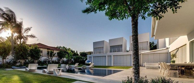 Современный жилой дом в Израиле  Villa in Hashron