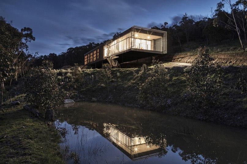 Mt Macedon House / Field Office Architecture