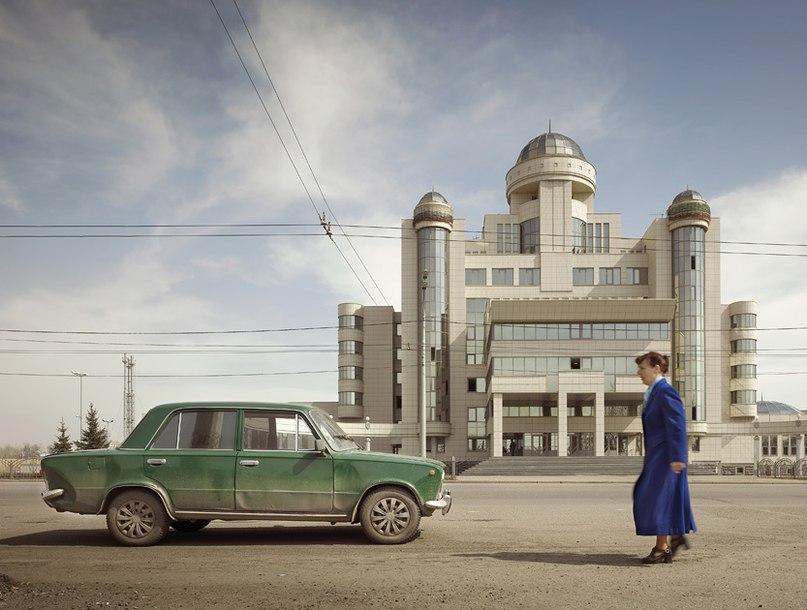 Парад гигантов. Постсоветская архитектура глазами немецкого фотографа.
