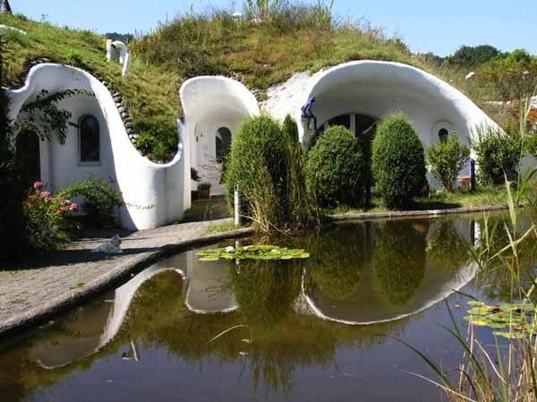 Необычный поселок из подземных домов в Швейцарии  Если