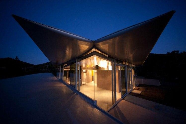 «Нет такого понятия, как эко-дизайн и архитектура.