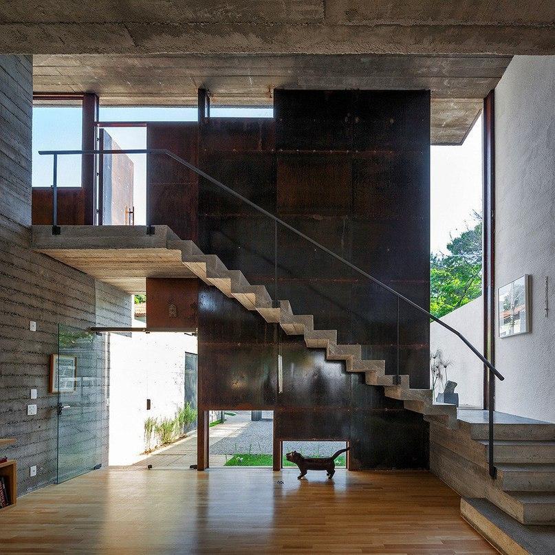 Дом с рациональной организацией пространства  Проектное бюро Basil