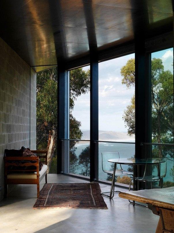 Треугольный дом в Австралии от Kerstin Thompson