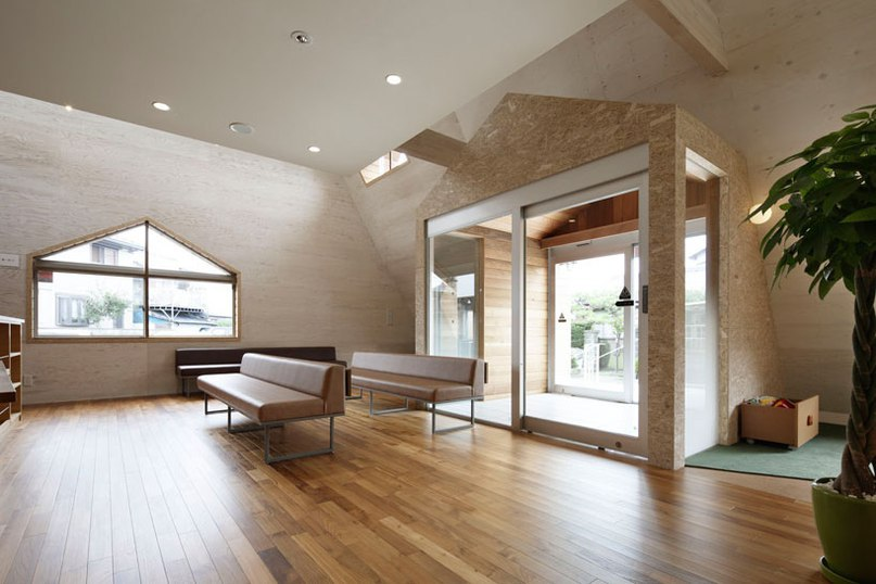 TSC architects punctuate japanese health clinic with