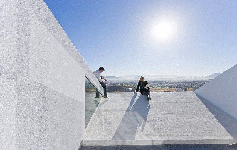 House in Chihuahua — современный особняк в