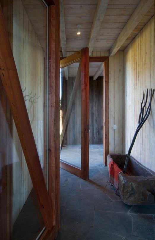 Современная хижина в чилийском лесу  Ranco 1 —