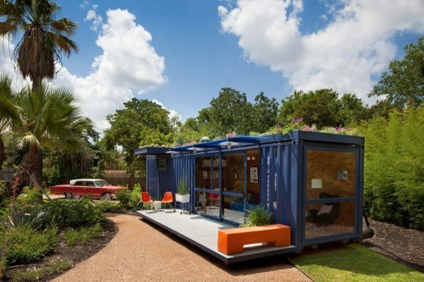 Как построить дачный дом из контейнера: