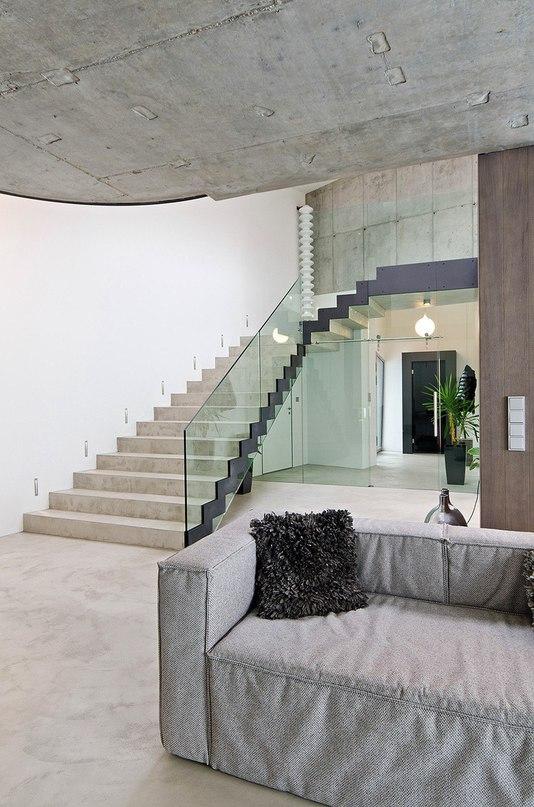Бетонный интерьер дома в Чехии  Бетонный интерьер частного