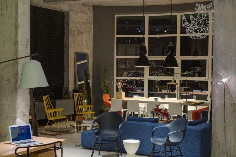 Офис мебельной компании Dizaap в Киеве  Офис мебельной