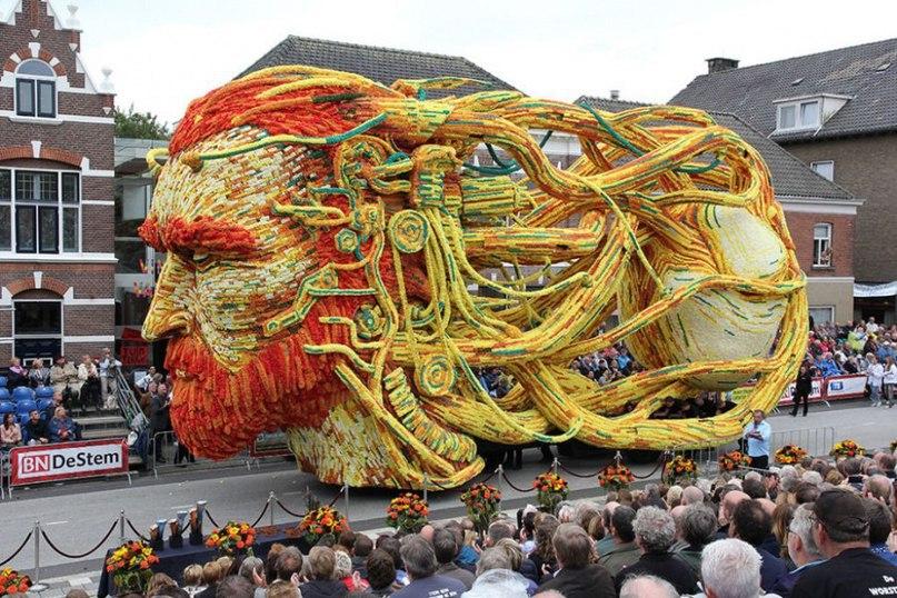 Самый крупный в мире парад цветов в