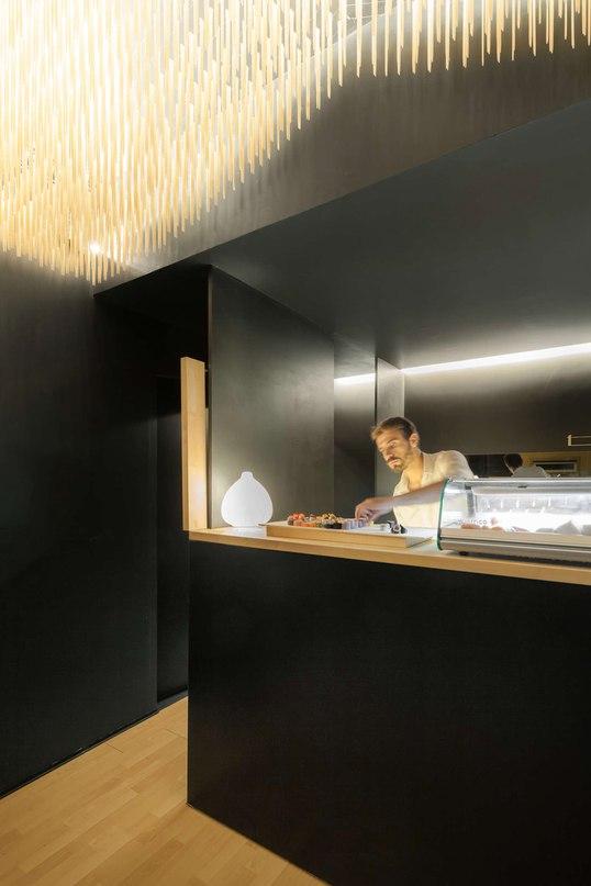 Суши-бар в Португалии от PAULO MERLINI ARCHITECTS