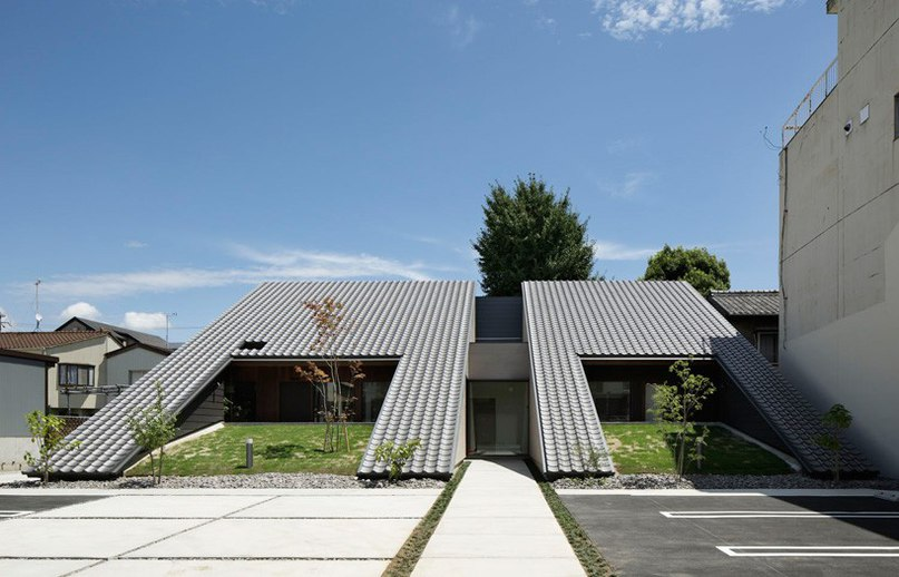 TSC architects clads wedge-shaped dental clinic in
