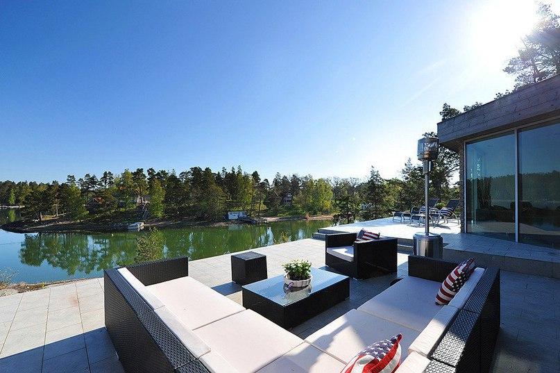 Нетипичная скандинавская вилла в Стокгольме  Общая площадь резиденции