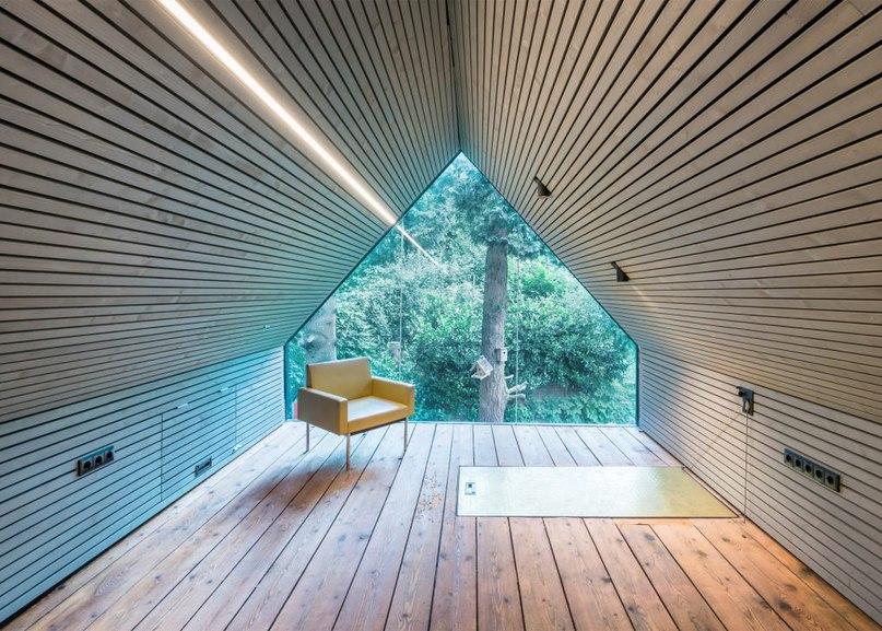 Derelict shed converted by Sue Architekten into