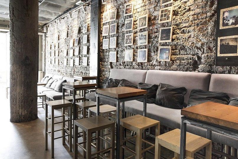 Уютный кафе-бар Drinka Club в Белграде  Drinka Club — это уютный кафе-бар в городе Белград, Сербия.