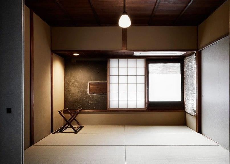 ТРАДИЦИОННАЯ АРХИТЕКТУРА ЯПОНИИ В ОБНОВЛЕННОМ ДИЗАЙНЕ МАТИИ МОЯШИ  Более 120 лет назад дом семьи Кояма в Японии использовался как закрытый парник для выращивания кодзи, главного ингредиента сакэ и соевого соуса.