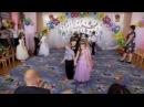 Прощальный танец на выпускном Кружится пусть вальс