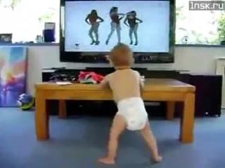 Малыш танцует с Beyonce
