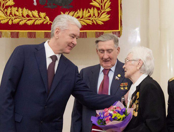 Собянин утвердил разовые выплаты ветеранам и чернобыльцам // mos.ru