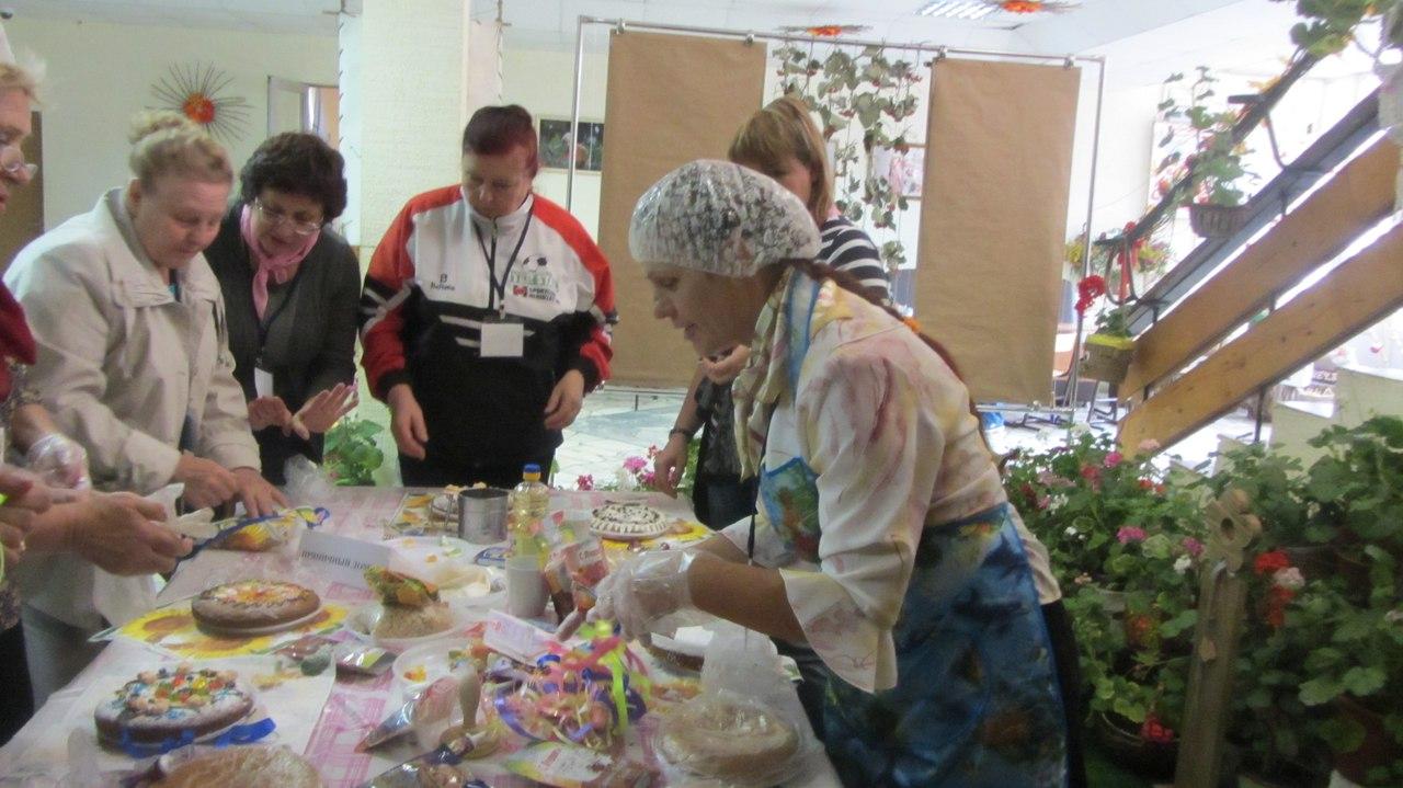 Более 100 пожилых граждан приняли участие в социальном проекте «Серебряный возраст»