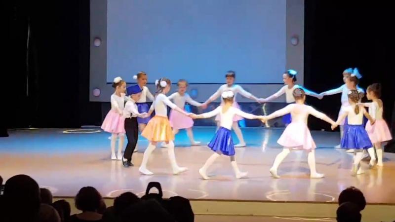 Танец доброго жука😁май 2017г.