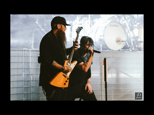 Three Days Grace - Over And Over (live concert in Minsk 2017)