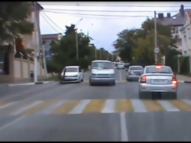 В Воронеже все чаще Людей сбивают на Пешеходном Переходе Водитель - будь внимательнее