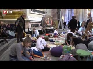 Более 300 детей рисуют на XXV фестивале