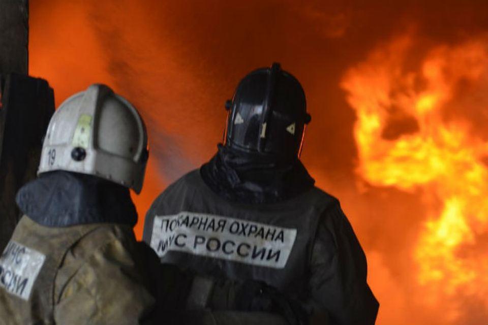 Пожарные не дали сгореть жилому дому в станице Зеленчукской