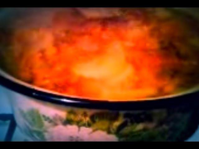 Капустник варится. Cabbage soup is cooked.