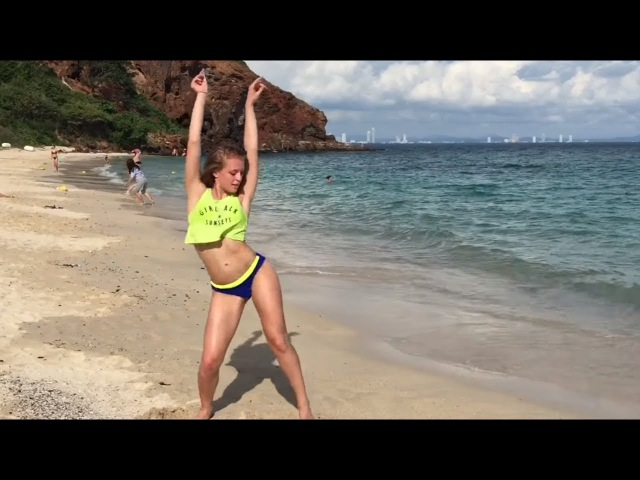 HOT DANCE at the beach- Polina Dubkova (twerk and dancehall)