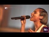 ALICIA KEYS - LIVE @ Manchester Cathedral UK 2012
