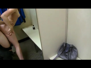 секс в примерочной видео