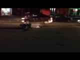 Видео с места ДТП в районе трансмаша, мотоциклист врезался в