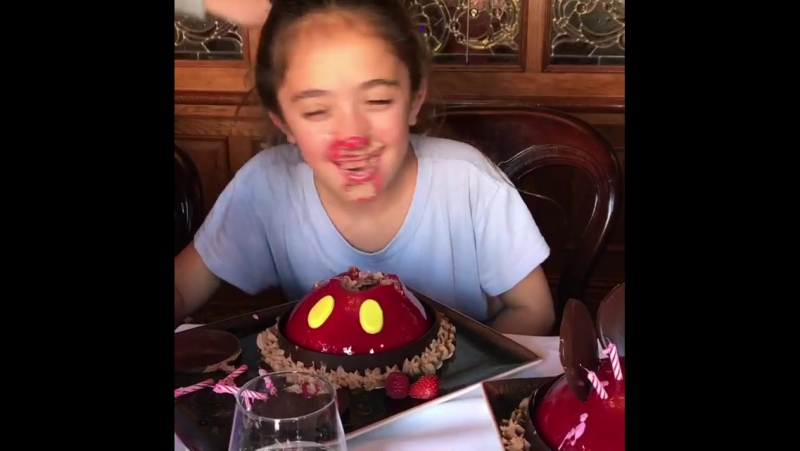 I promised my daughter Valentina to take her to disneylandparis for her 10th birthday so we did a Disney mordida. Le prometí a