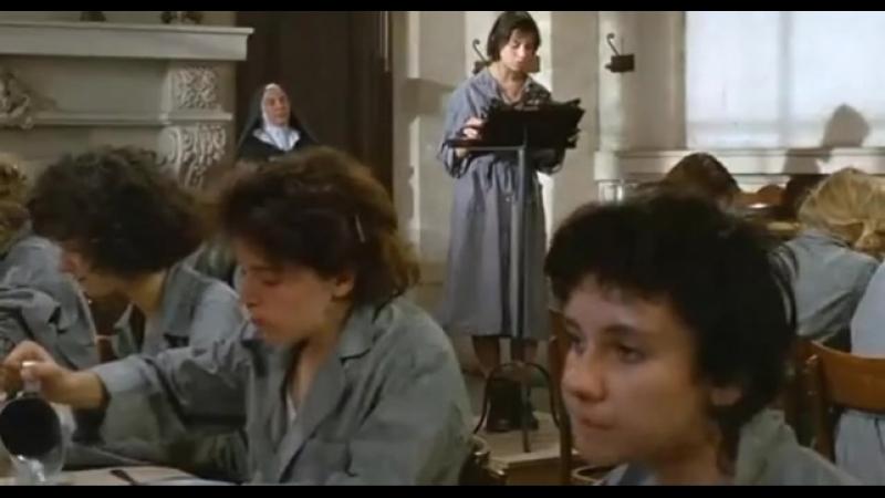 Маленькая воровка 1988 Режиссер Клод Миллер драма, криминал дети в кино