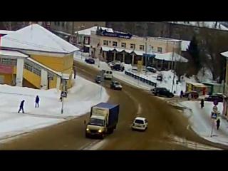 Небольшое ДТП 13-01-17 на Успенской площади в Угличе.