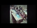 Умелые ручки!!!Создаем зимнюю сказку с помощью капустного листа и кисточки.Мои самые любимые детки)))