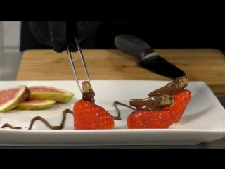 Бабочки в животе: в Германии стали готовить насекомых в шоколаде