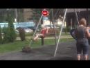 Девочка в противогазе на детской площадке в Воронеже