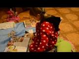 Чем занять ребенка из того что есть дома. Учимся вырезать - Лика Хурция (4года 2