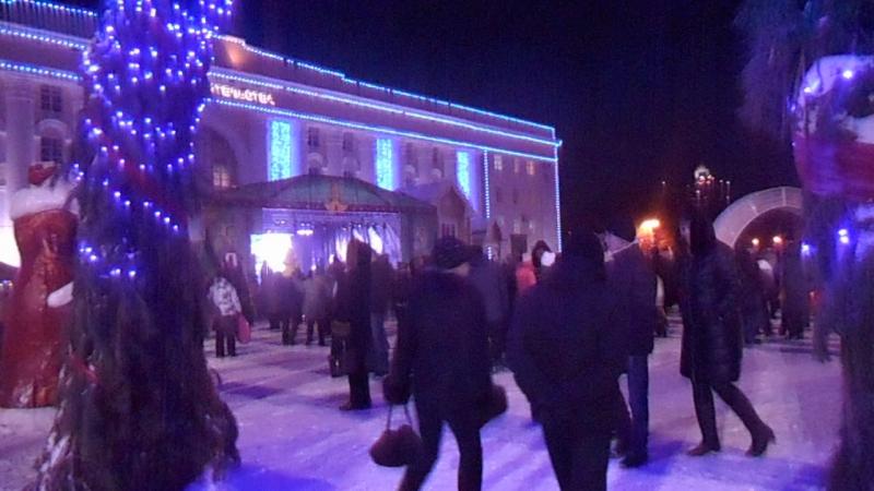 Новогодняя площадь, Ульяновск, 24 декабря 2016 (c)www.ulgrad.ru