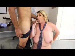Sexy bbw busty boss kimmie kaboom fucks her stud employee