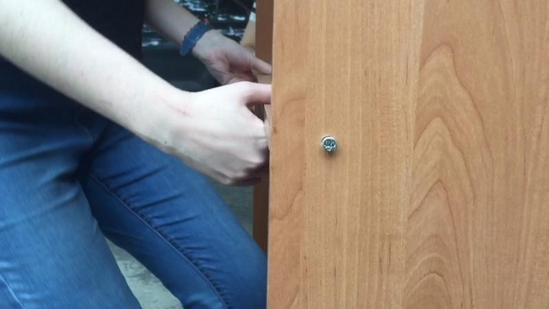 О том как три девченки шкаф разбирали