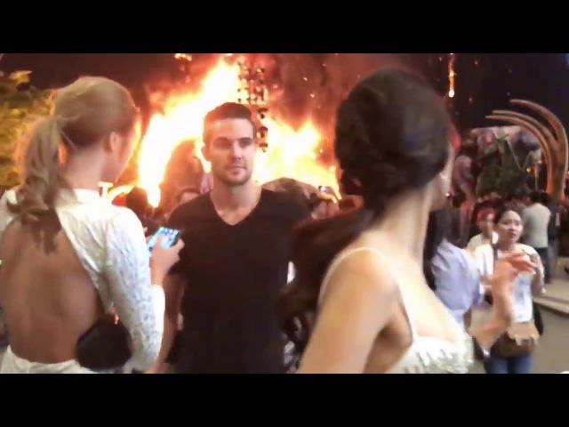 Cháy lớn buổi ra mắt phim King Kong Đảo Đầu Lâu Sao Việt chạy tán loạn