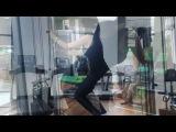 Новая ведущая субботнего шоу Дом 2 Катя Жужа начинает своё утро в спортзале