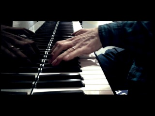 A surprise mini-concert of Bill Laurance (Snarky Puppy) - Amsterdam Central Station