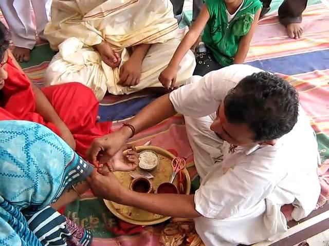 Shri Bhuwal Mata Ji ka Raksha Sutra- MVI_0402