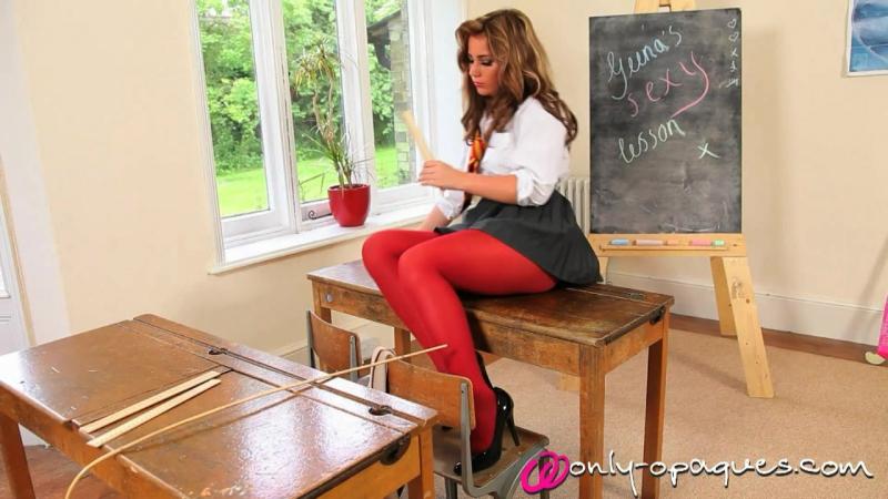 Georgina ( Geena Mullins ) school striptease