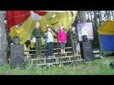 Детская команда Дружба поёт песню Катюша Золины Вероника и Карина и две новые подружки со слёта.